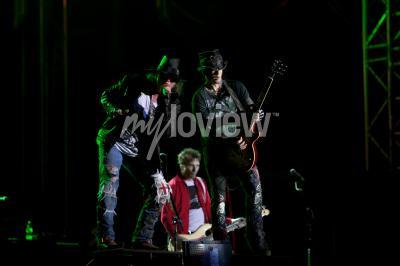 Fotomural Guns N 'Roses atua no EXIT 2012 Music Festival