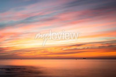 Adesivo Fototapeta: Sunrise over a beach in Cornwall UK