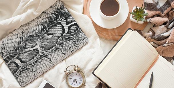 Adesivo para notebook de couro