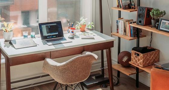 Decorando o escritório em casa? Aqui estão os arranjos que você precisa ver!