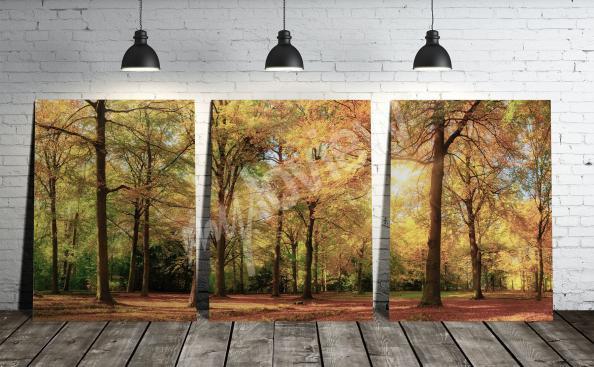 Quadro tríptico com uma paisagem de floresta